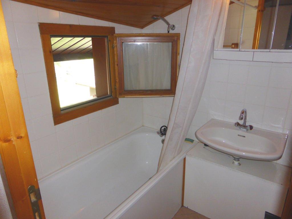 Foto van de badkamer van appartement Clairière 35