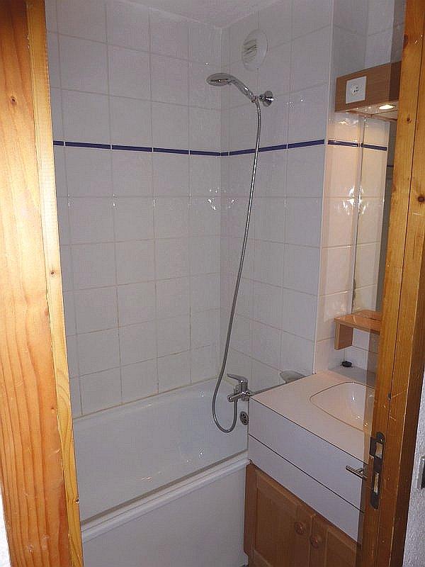 Badkamer van appartement Souche 15