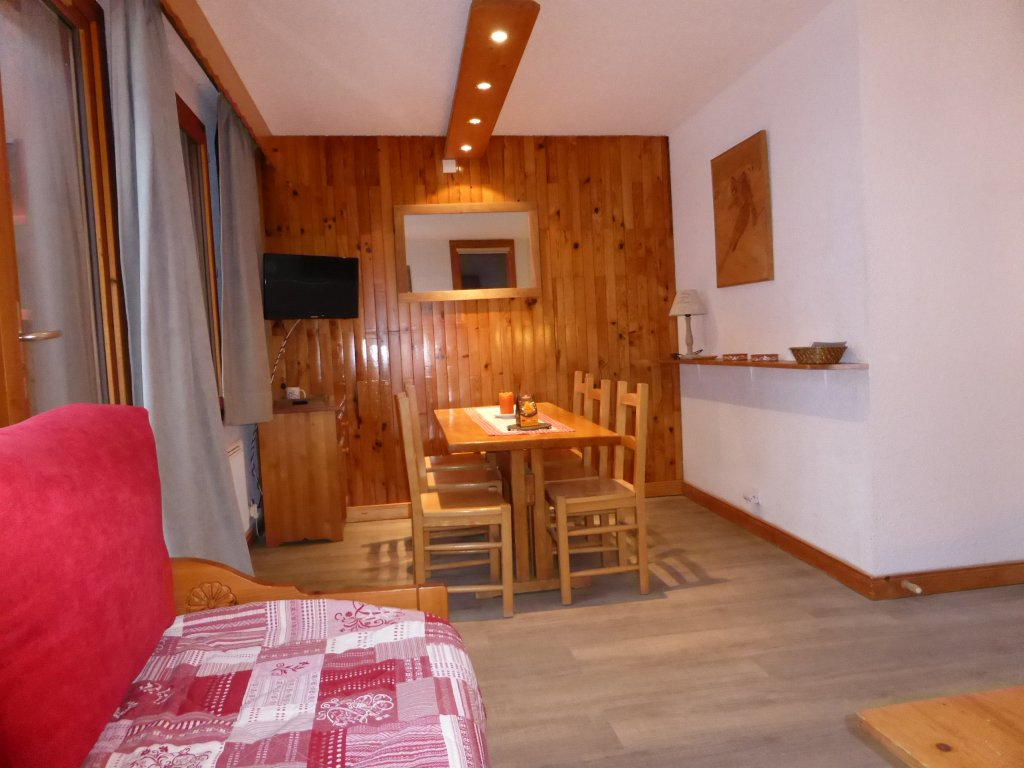 Foto van de eettafel van appartement Souche 16